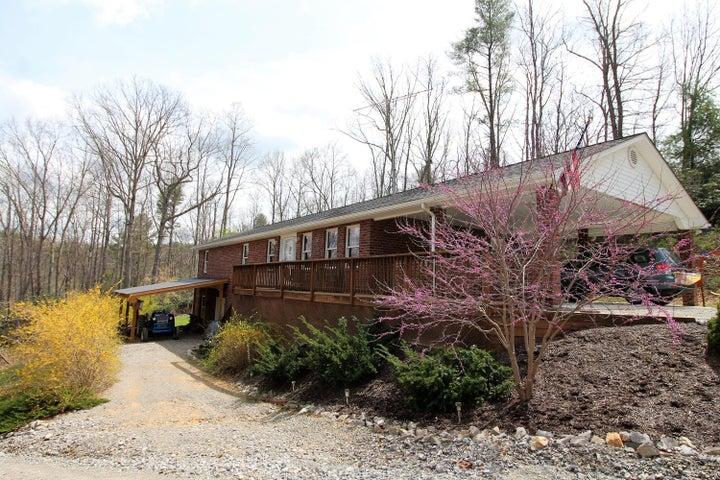 2334 Webbs Mill RD N, Floyd, VA 24091
