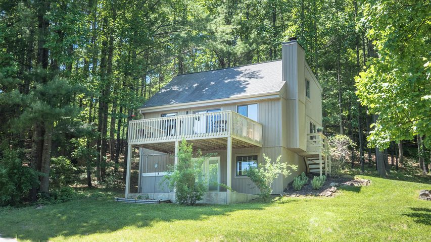 8664 Martins Creek RD, Roanoke, VA 24018