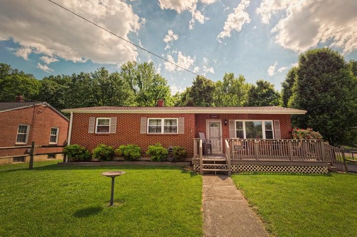 1942 Laura RD NW, Roanoke, VA 24017