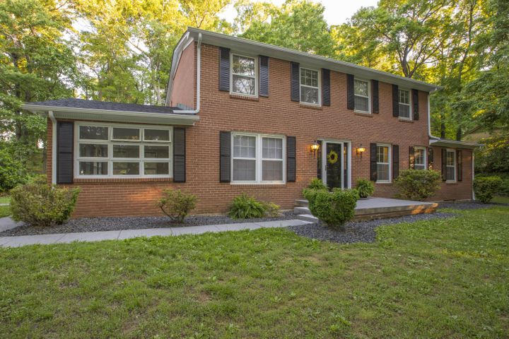 4957 GREENLEE RD SW, Roanoke, VA 24018