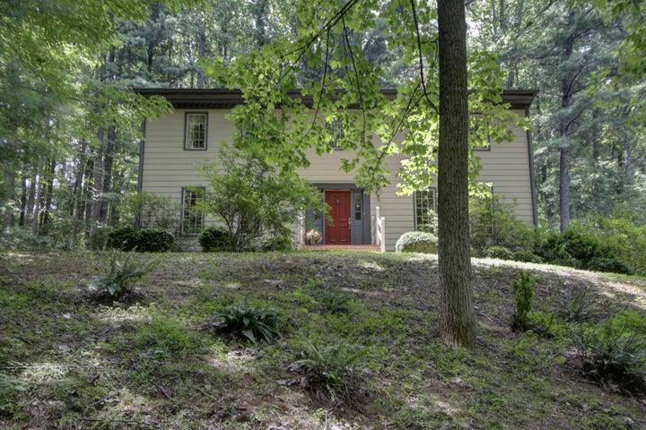 1310 Longview RD, Roanoke, VA 24018