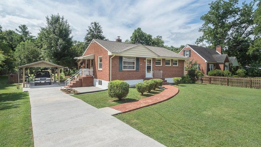 813 Hugh AVE, Roanoke, VA 24019