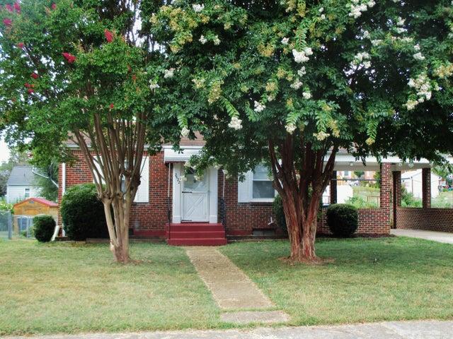 2422 Dorchester DR NW, Roanoke, VA 24012