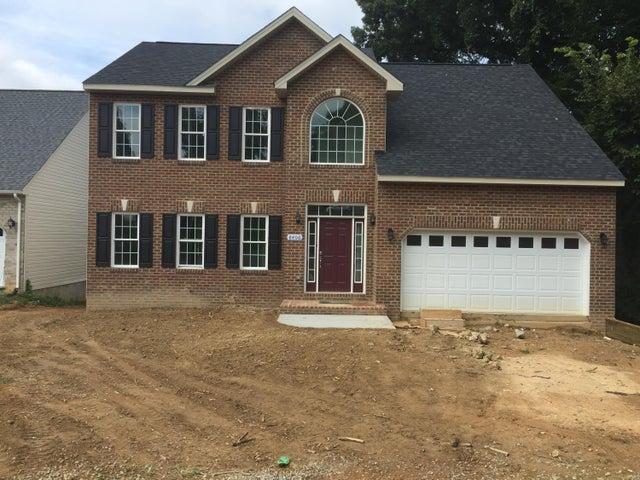 8406 Barrens RD, Roanoke, VA 24019