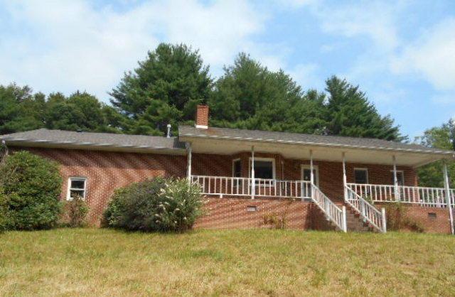 834 Bent RD, Meadows of Dan, VA 24120