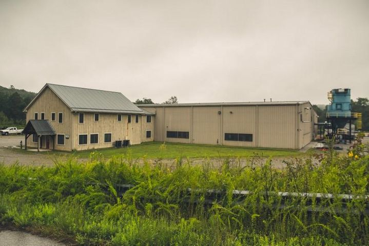 296 Commerce Center DR NE, Floyd, VA 24091