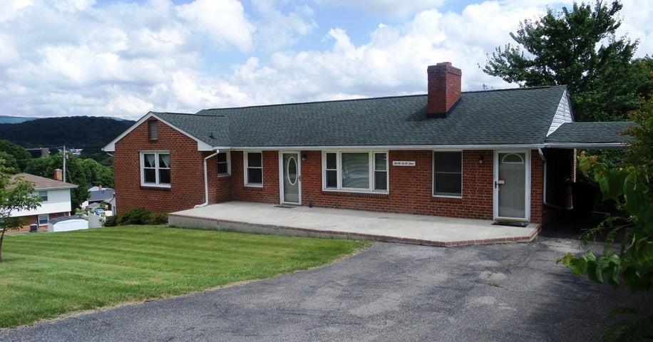 3044 Glenmont DR, Roanoke, VA 24018