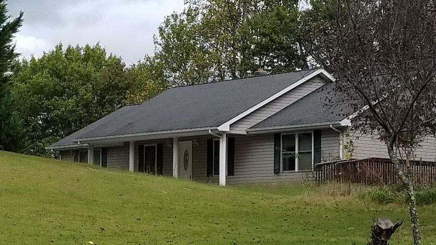 415 Green Level RD, Boones Mill, VA 24065