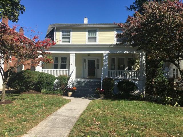 2251 Maiden LN, Roanoke, VA 24015
