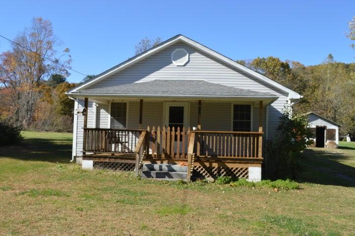 227 Magnolia AVE, New Castle, VA 24127