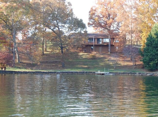 114 Oak Grove CIR, Moneta, VA 24121
