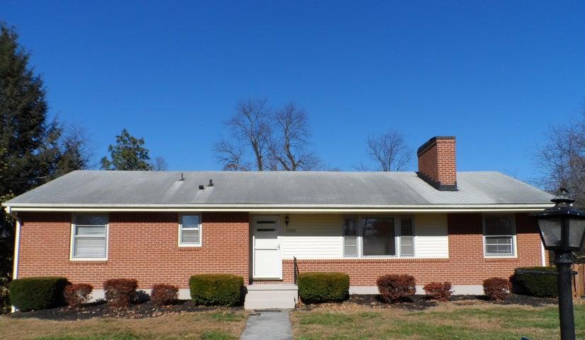 5207 Green Meadow RD, Roanoke, VA 24018