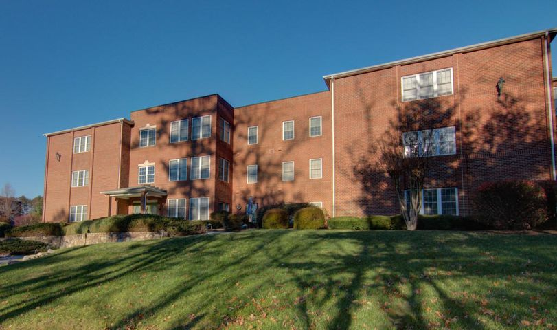 3060 McVitty Forest DR, 316, Roanoke, VA 24018