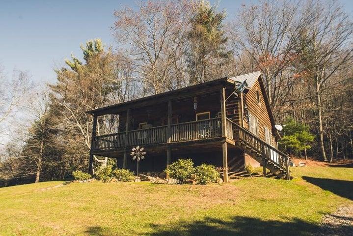 371 Sawmill RD SW, Willis, VA 24380