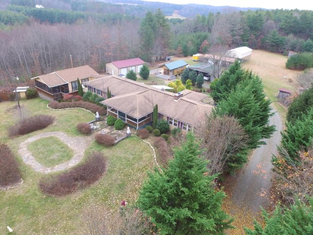 610 Rocky Hill RD, Willis, VA 24380