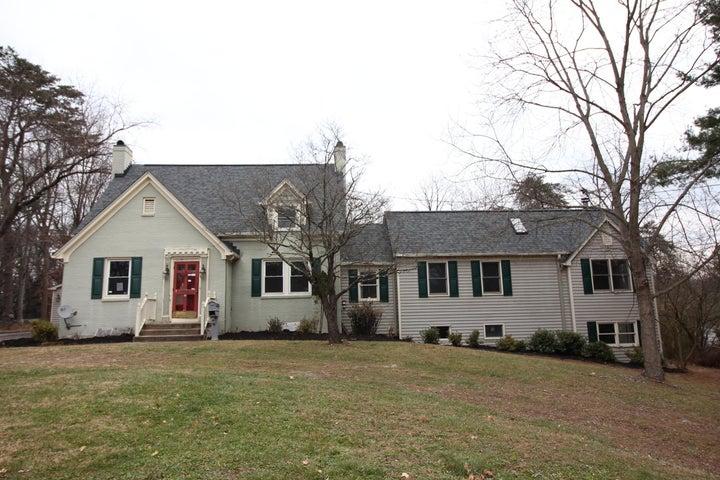 3236 Lawndale RD, Roanoke, VA 24018