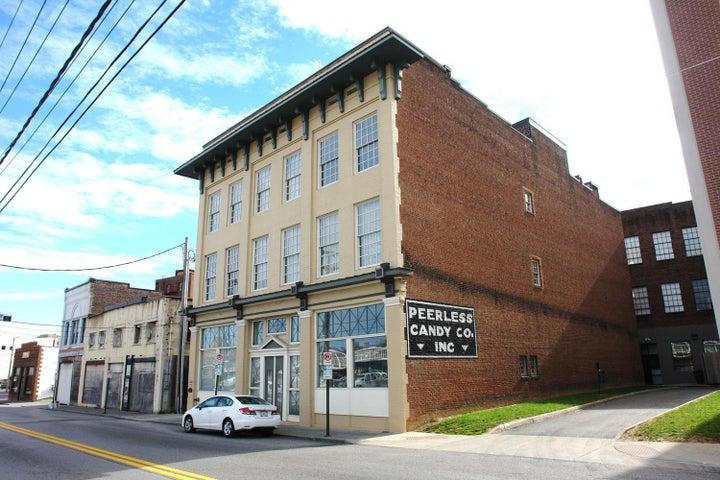 324 Salem AVE SW, 103, Roanoke, VA 24016