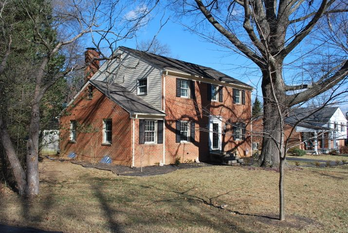 3031 Lofton RD, Roanoke, VA 24018