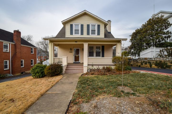 1907 Canterbury RD SW, Roanoke, VA 24015