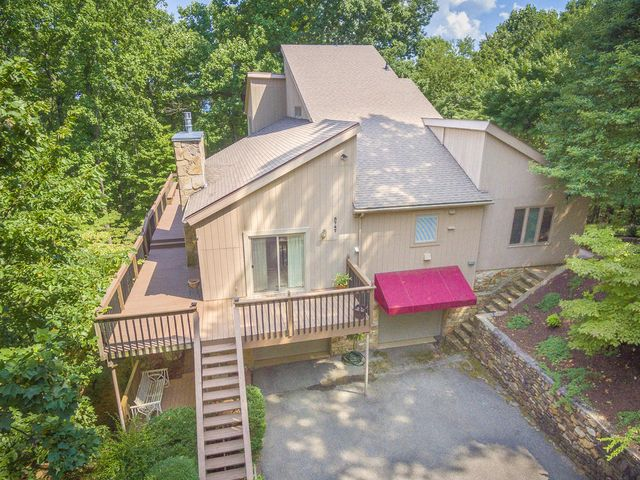 5747 Sugar Loaf Mountain RD, Roanoke, VA 24018