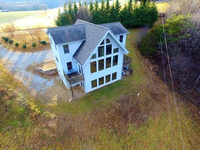 225 LARRY DALE RD, Boones Mill, VA 24065