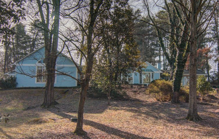 5346 Castle Rock RD, Roanoke, VA 24018