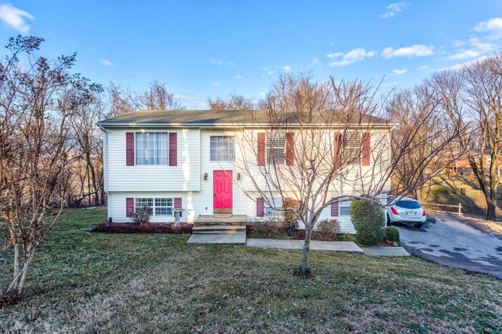 1702 BRAD CT, Salem, VA 24153