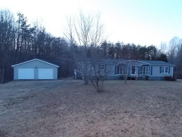 2143 Deepwoods RD, Hardy, VA 24101