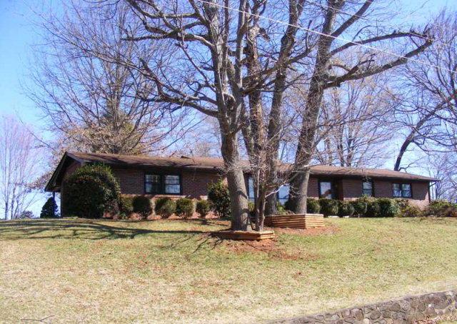 1063 HILLTOP DR, Collinsville, VA 24078