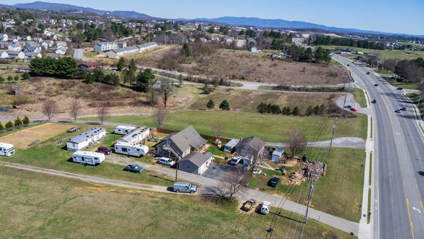 1325 Peppers Ferry RD NW, Christiansburg, VA 24073