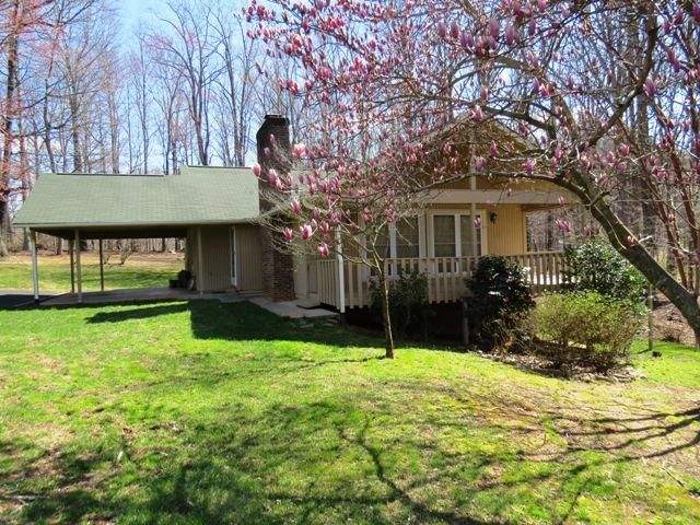 334 Huntington RD, Ridgeway, VA 24148