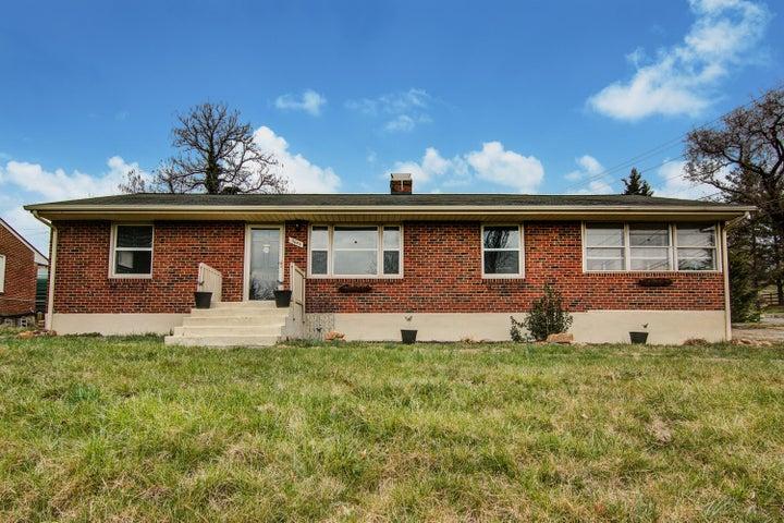 3640 Cedar LN, Roanoke, VA 24018