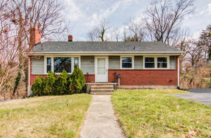 3432 View AVE SW, Roanoke, VA 24018