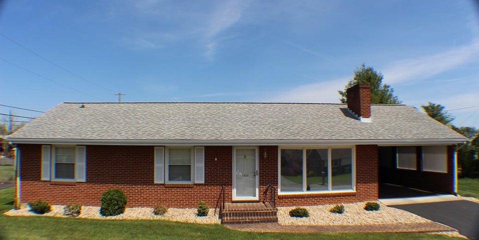 4329 Fontaine DR, Roanoke, VA 24018