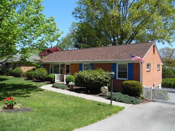 3452 Greencliff RD, Roanoke, VA 24018