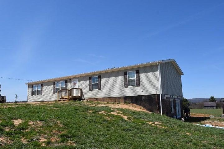 111 Indian Creek RD NW, Willis, VA 24380