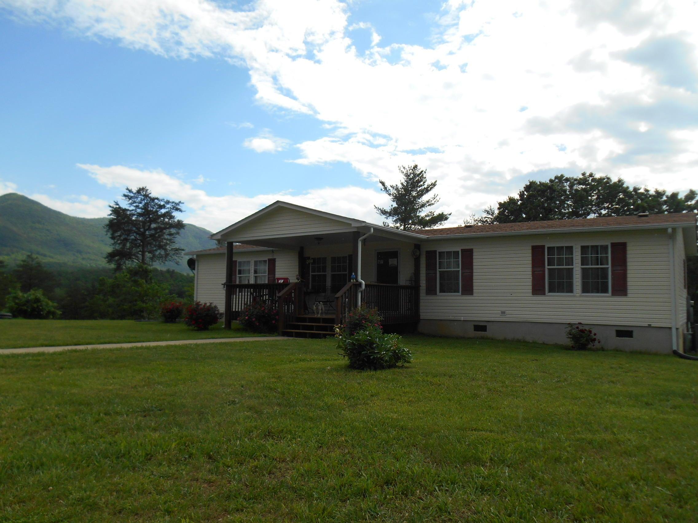 6202 DRY HOLLOW RD, Salem, VA 24153