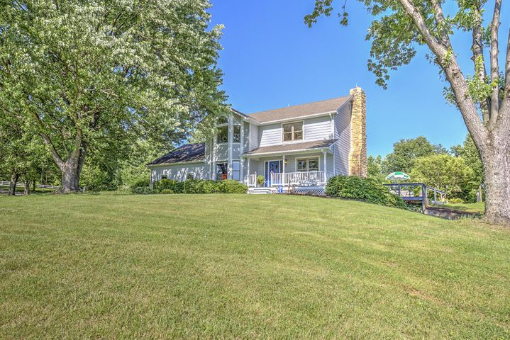153 Longview LN, Boones Mill, VA 24065