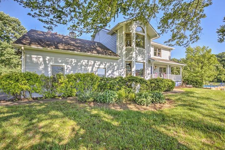 153 Longview LN, Boones Mill, VA 24065