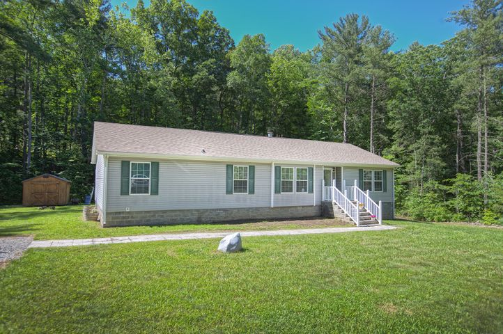 145 Hoot Owl RD, New Castle, VA 24127
