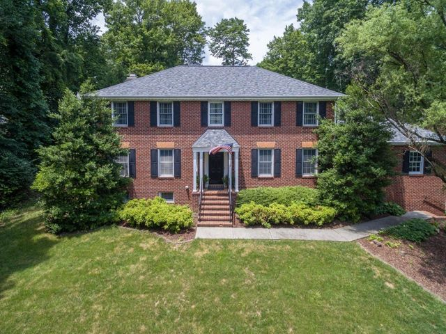 3833 Park LN, Roanoke, VA 24015