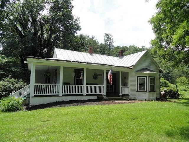 1949 Reesedale RD, Elliston, VA 24087