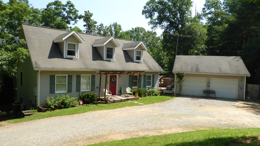 275 CREEKVIEW DR, Boones Mill, VA 24065