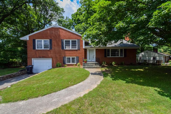 3075 Sedgefield RD SW, Roanoke, VA 24015