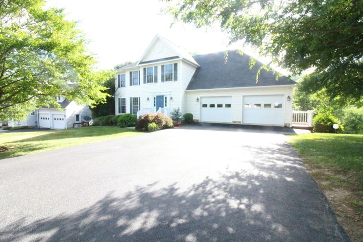 1308 KINGS CREST DR, Salem, VA 24153