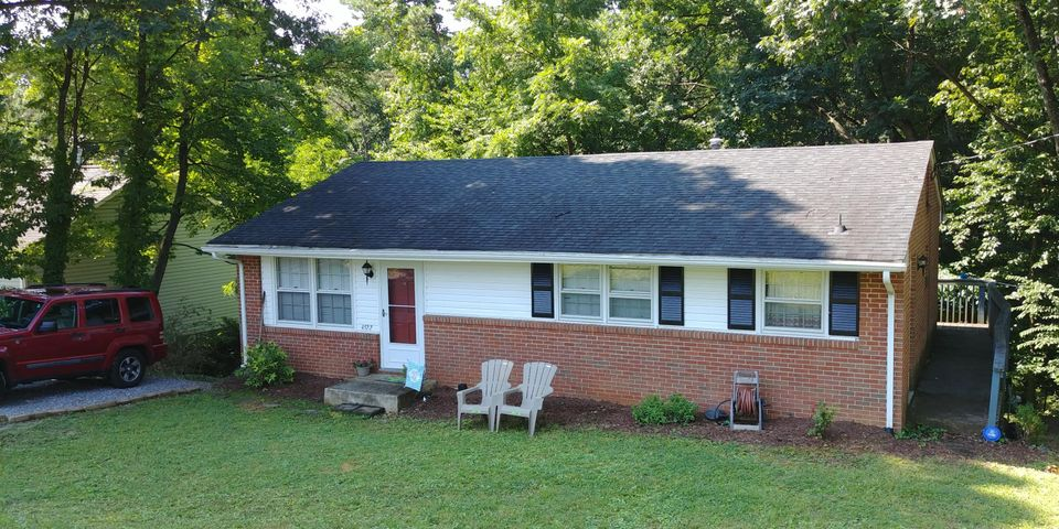4522 Stonewall RD NW, Roanoke, VA 24017