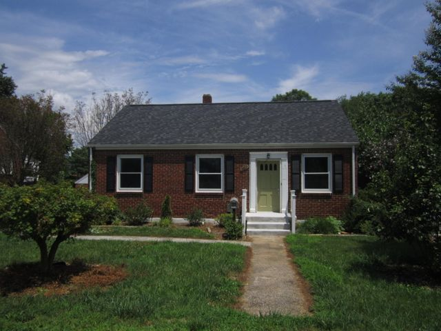 3709 OLIVER RD NE, Roanoke, VA 24012