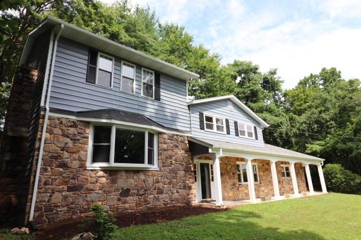 6121 Homewood CIR, Roanoke, VA 24018