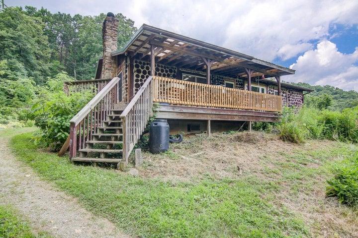 1553 Griffith Hill RD, Ferrum, VA 24088