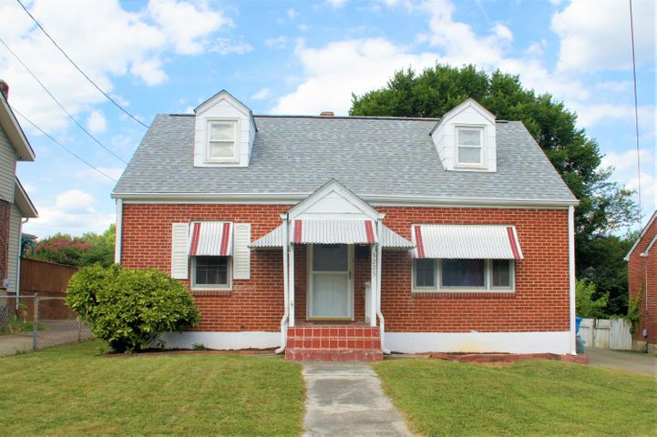 3225 Greenland AVE NW, Roanoke, VA 24012